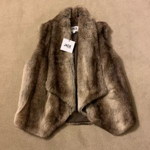 BB Dakota Jack Faux Fur Vest NWT Small